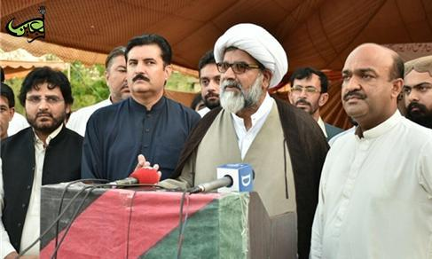 Leader of Pakistan's Majlis-e-Wahdat-e-Muslimeen: Takfiris want us to abandon our beliefs, mourning ceremonies